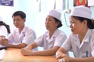 Vụ trao nhầm con ở Ba Vì: Bệnh viện hay 2 nữ hộ sinh sẽ chi tiền đền bù?