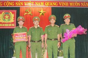 Đà Nẵng: Thưởng 'nóng' lực lượng triệt phá nhóm đối tượng chuyển giới móc túi du khách