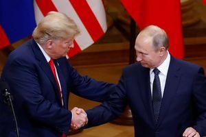 'Vị khách không mời mà đến' trước họp báo chung TT Trump và TT Putin là ai?