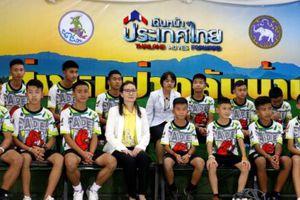 Thái Lan: Đội bóng nhí lần đầu xuất hiện trước công chúng sau khi được giải cứu