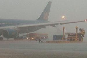 Hàng loạt chuyến bay đi Nghệ An bị hủy, hoãn do ảnh hưởng của bão