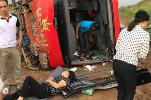 Lật xe trên đường cao tốc Pháp Vân - Cầu Giẽ: Nữ hành khách hoảng loạn kêu cứu
