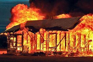 Phóng hỏa đốt nhà bạn gái làm 2 người tử vong