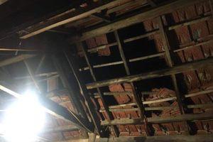 Hà Tĩnh: Lốc xoáy làm tốc mái 13 nhà dân