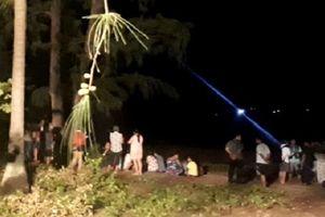 Bình Định: Tắm biển, 3 thanh niên bị sóng cuốn mất tích