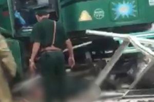 Xe container trôi tự do làm chết một sĩ quan Biên phòng đang trực gác