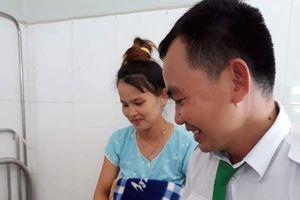 Quảng Nam: Nam tài xế lái taxi trở thành 'bà đỡ' bất đắc dĩ