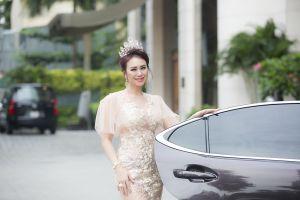Hoa hậu Mỹ Vân đẹp không tì vết trong những bộ trang phục thiết kế bó sát cơ thể