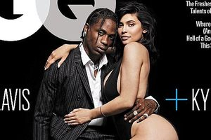 Kylie Jenner diện bikini, khoe đường cong gợi cảm trên bìa tạp chí