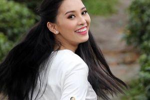 Người đẹp cuộc thi Hoa hậu VN thả dáng ở đồi chè Thanh Chương