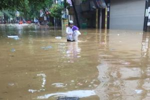 Yên Bái: Sập 1 cây cầu, di dời khẩn hơn 2.500 hộ dân