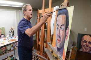 Ngạc nhiên tài năng hội họa của cựu Tổng thống Mỹ Bush