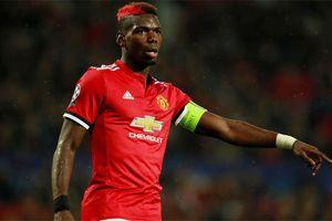 Pogba làm 'trùm' ở tuyển Pháp, nhưng về M.U vẫn chỉ 'phận em út'