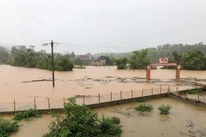 Mưa lớn gây lũ ống lũ quét tại Lào Cai