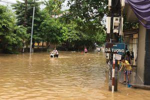 Mưa lũ dâng cao, hơn 100 hộ dân thành phố Yên Bái bị chia cắt
