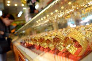 Giá vàng thế giới giảm sâu kéo theo vàng trong nước giảm