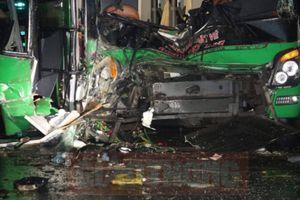 Hai xe giường nằm tông nhau: Xác định danh tính 24 người gặp nạn
