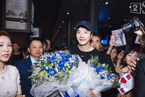 Mỹ nam 'Nấc thang lên thiên đường' Kwon Sang Woo đã tới Việt Nam lúc nửa đêm