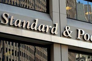 S&P nâng dự báo triển vọng nợ công của Hy Lạp