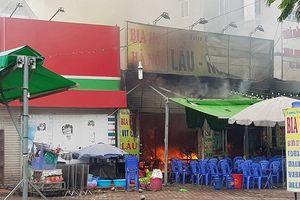 Hà Nội: Cháy lớn tại nhà hàng, một người tử vong