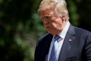 Ông Trump 'không thể tin được' khi bị luật sư riêng ghi âm