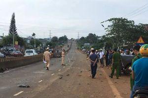 Đắk Lắk: Xe bán tải tông nhiều xe máy, 3 người thương vong