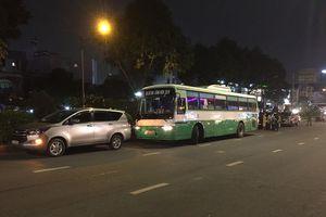 Tai nạn liên hoàn 3 ô tô và 1 xe buýt