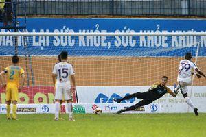 Hà Nội thắng ngược Thanh Hóa sau 2 lần bị dẫn bàn