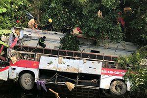 Hiện trường ám ảnh vụ xe khách lao xuống vực ở Cao Bằng