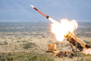 Doanh thu xuất khẩu vũ khí Mỹ nhảy vọt trong năm 2018