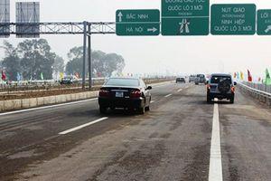 Bộ Giao thông xin dừng 'lên đời' 2 quốc lộ thành cao tốc