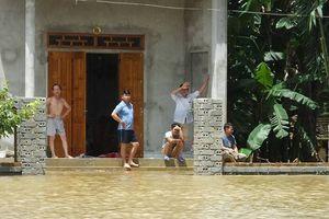 Thanh Hóa: Nước sông Bưởi dâng cao nhấn chìm hàng trăm nhà cửa