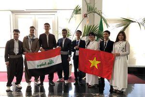 Bốn học sinh Đoàn Olympic Sinh học quốc tế của Việt Nam đoạt thành tích cao