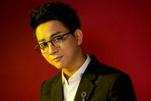 Hoài Lâm hát nhạc thất tình giữa nghi án chia tay bạn gái