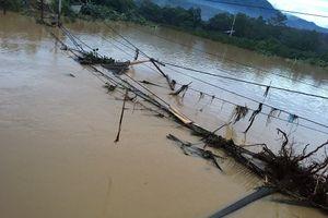 Hàng nghìn người dân vùng lũ Phú Thọ chưa thể về nhà