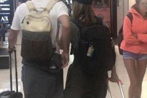 Điều kỳ diệu xảy ra khi cô gái bị đổi chỗ ngồi trên máy bay