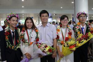 Đoàn học sinh Olympic Sinh học mang vinh quang về cho đất nước