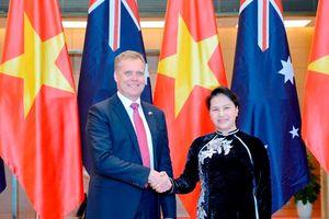 Chủ tịch Quốc hội hội đàm với Chủ tịch Hạ viện Australia