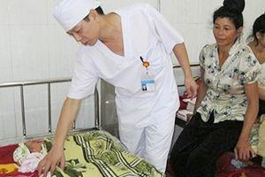 'Truy' nguyên nhân vụ cháu bé 4 tháng tuổi tử vong tại Bệnh viện Mường La