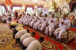 Đội bóng nhí Thái Lan sắp bắt đầu tu tập trong chùa