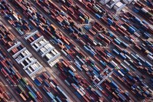 Trung Quốc tìm đến Việt Nam để tránh 'bão thương mại'