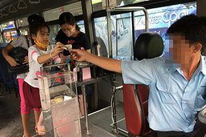 Vé tự động xe buýt: Phiền khách, mệt bác tài!