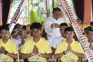 Đội bóng nhí Thái Lan chuẩn bị xuống tóc, vào chùa đi tu