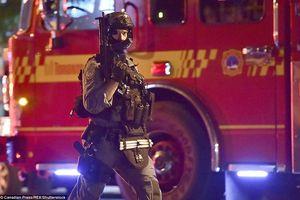 Hiện trường vụ xả súng kinh hoàng giữa phố đông tại Toronto, Canada