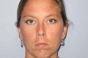 Nữ giáo viên Mỹ ra tòa vì gửi ảnh 'nóng' và quan hệ với học sinh
