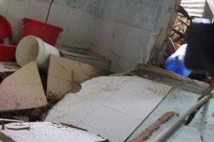 Lâm Đồng: Sạt lở đất kinh hoàng, 5 nhà dân sập, bị đất vùi