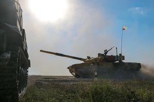 Trung Quốc thể hiện sức mạnh tại công viên quân sự đầu tiên