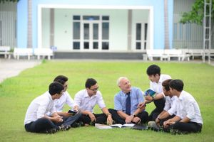 Giỏi ngoại ngữ - cơ hội việc làm trong tầm tay, thu nhập cao và thăng tiến nhanh