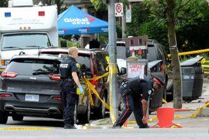 Canada: Thanh niên tâm thần xả súng, 2 người chết 13 người bị thương