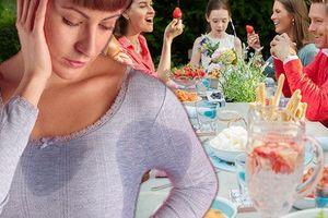 Hóa ra những món ăn này chính là `hung thủ` khiến bạn đổ mồ hôi nhiều hơn ngày hè